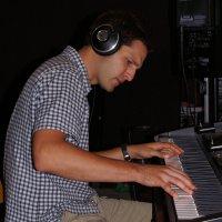 Adrian Schmid - Piano, Rhodes, Keyboards