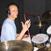 Urs Bringolf - Schlagzeug, Perkussion